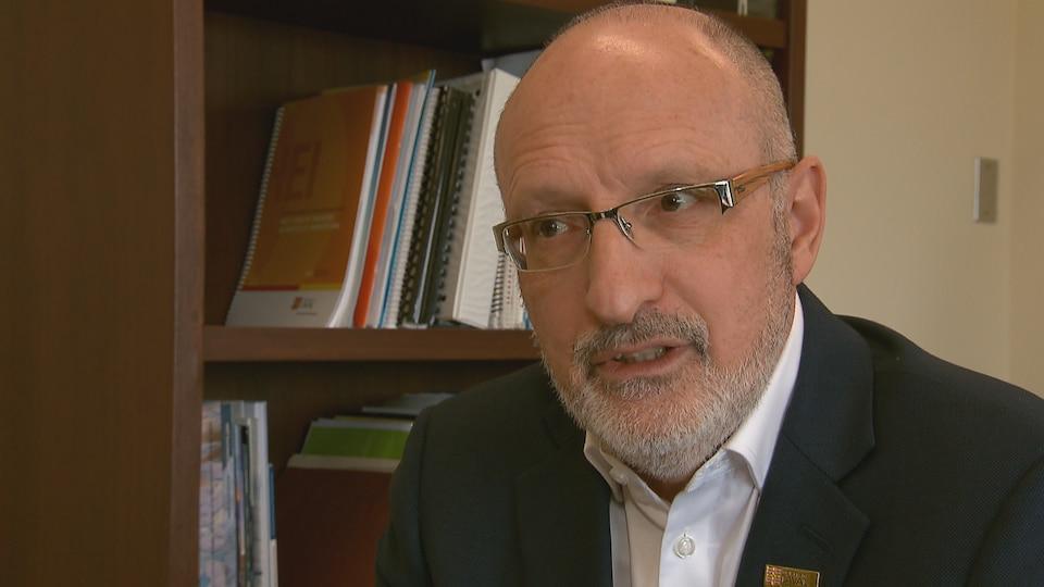 Michel J. Tremblay, vice-recteur adjoint à la recherche, à la création et à l'innovation, Université Laval