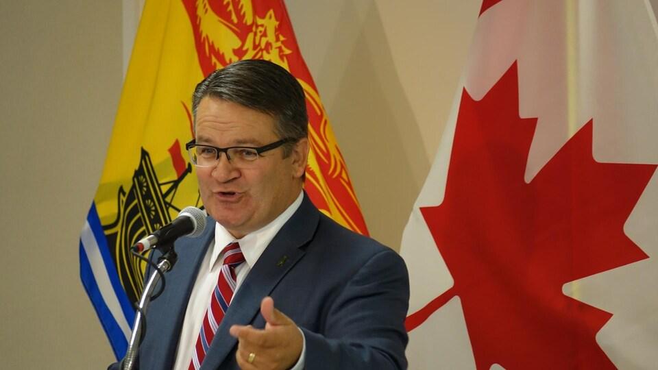 Le ministre de la Santé du Nouveau-Brunswick Victor Boudreau.