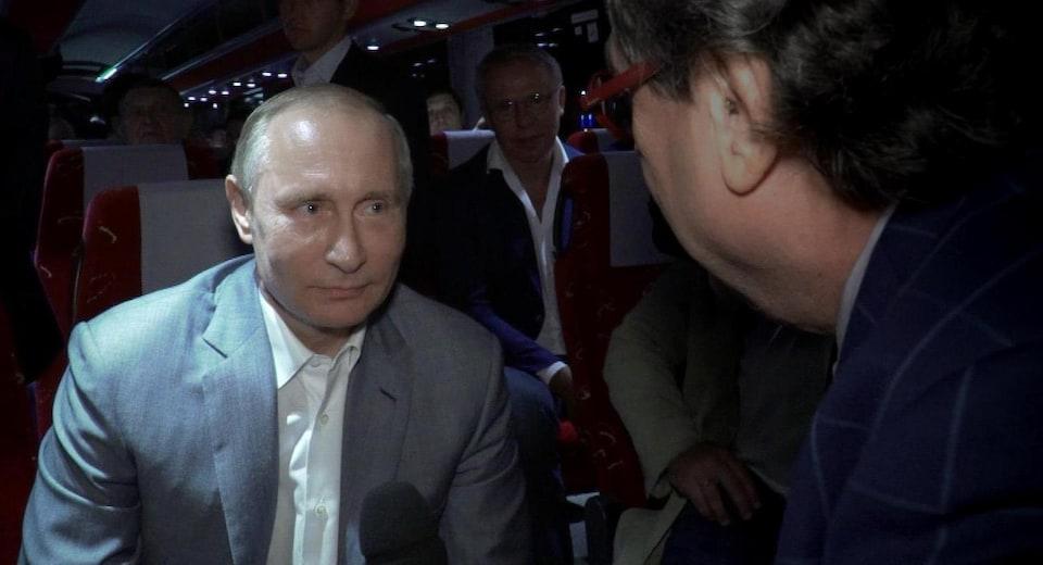 Le journaliste Raymond Saint-Pierre en entrevue avec le président russe Vladimir Poutine