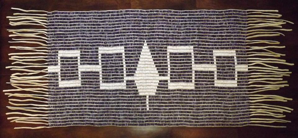 Le wampum de Hiawatha. Les wampums sont des tissages de coquillages blancs et pourpres