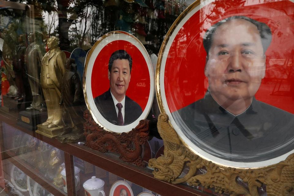 Souvenirs de Xi Jinping et de Mao Tsé-Toung vendus en Chine.