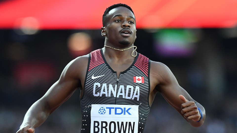 Aaron Brown en qualifications du 200 m aux mondiaux de Londres