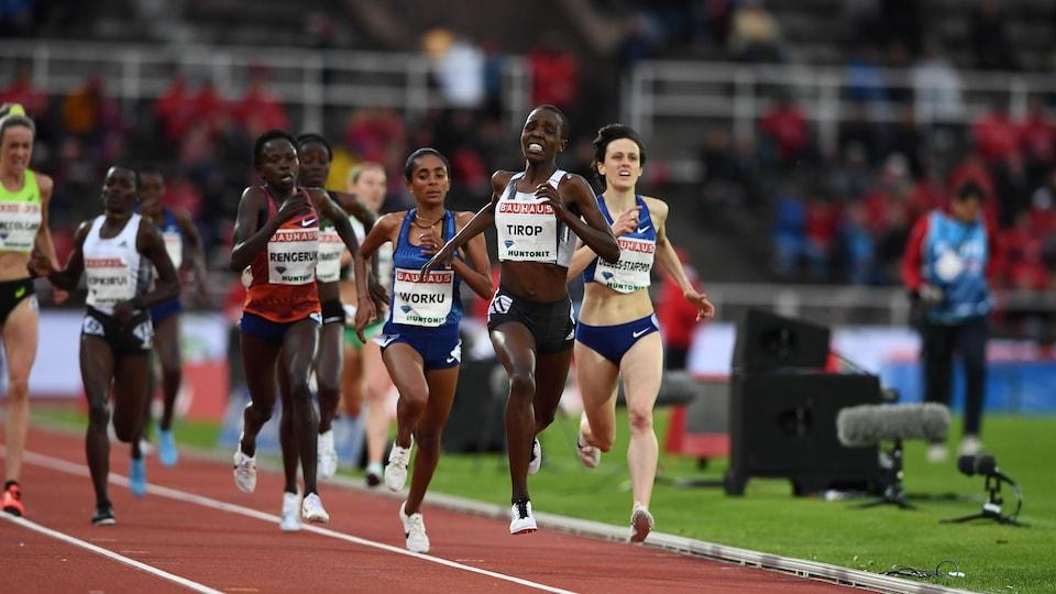 Agnes Jebet Tirop en tête au 5000 m de Stockholm