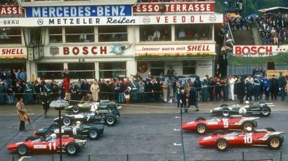 La grille de départ du Grand Prix d'Allemagne en 1966 au Nürburgring