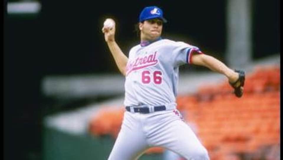 Derek Aucoin dans l'uniforme des Expos de Montréal.