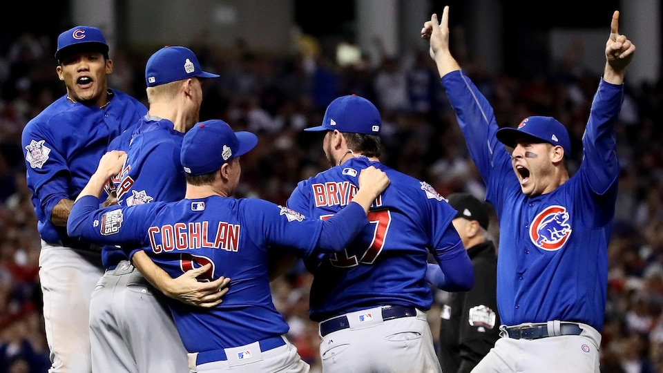 Les Cubs de Chicago remportent le Série mondiale de la MLB.