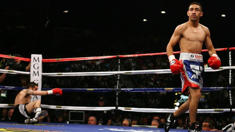 Benoît Gaudet au tapis, au 9e round, face à Humberto Soto