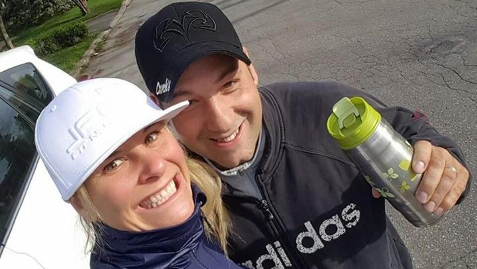 Stéphane Harnois accompagne sa championne Marie-Ève Dicaire à l'entraînement.