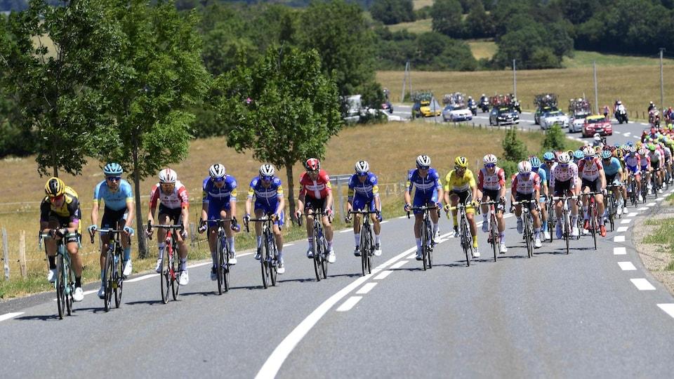 Les cyclistes pendant la 10e étape du Tour de France.