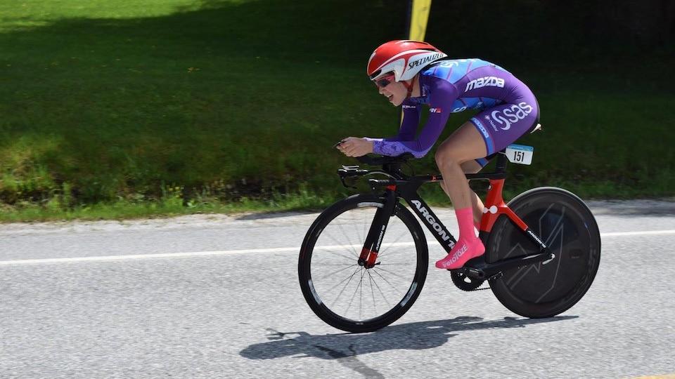Une cycliste de l'équipe SAS-Macogep-Acquisio