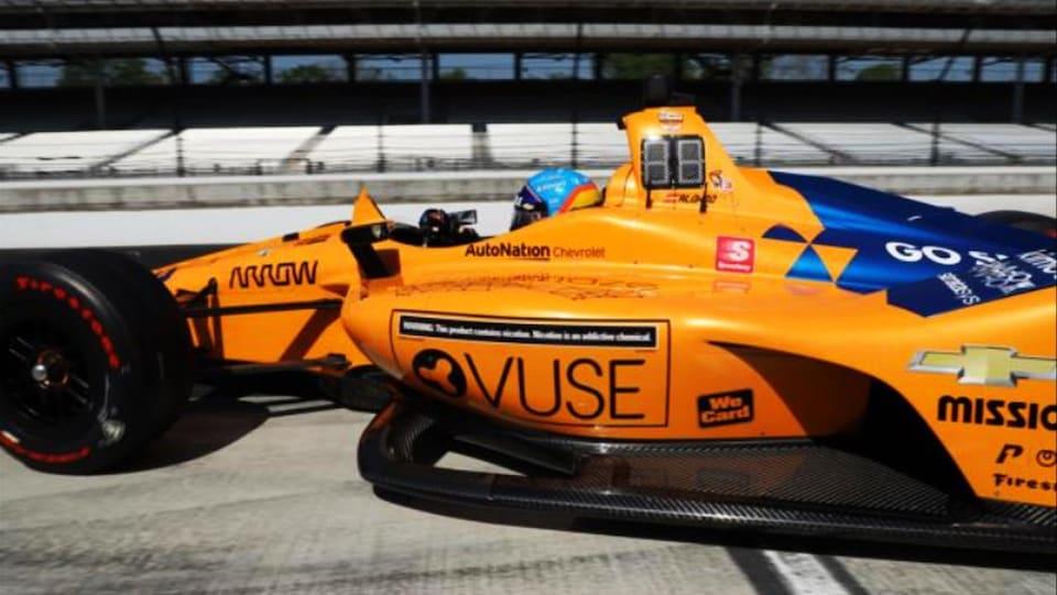Fernando Alonso dans la McLaren-Chevrolet à Indianapolis