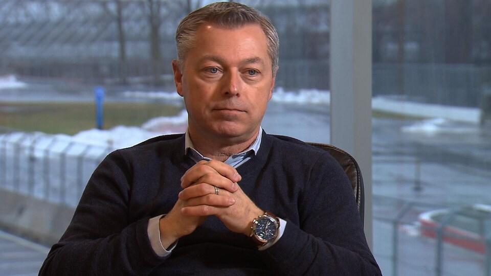 François Dumontier, président du Grand Prix du Canada, donne une entrevue à Radio-Canada.