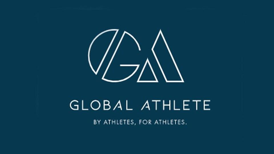 L'emblème du mouvement Global Athlete et son slogan : Par les athlètes, pour les athlètes