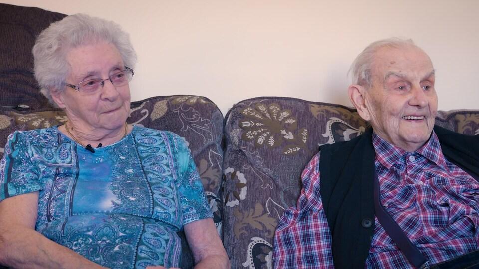 Hélène et Jean Kerbrat en entrevue à Radio-Canada.