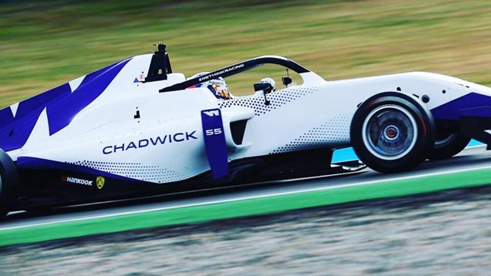 Jamie Chadwick dans la F3 de marque Tatuus de la W Series