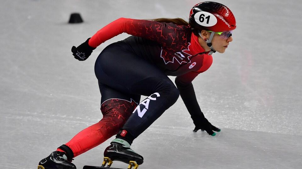 Kasandra Bradette participe au relais féminin des Jeux olympiques de Pyeongchang en 2018.