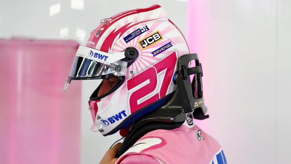 Le casque de Nico Hülkenberg aux couleurs de l'équipe Racing Point