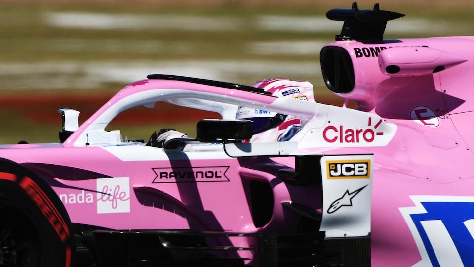Nico Hülkenberg a les mains sur son volant dans la RP20 de Racing Point.