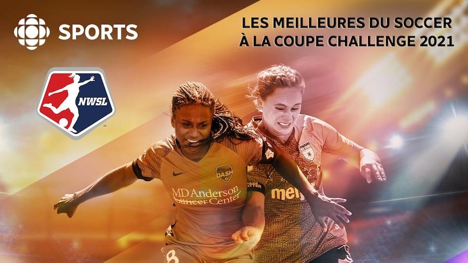 Un affiche orange sur laquelle on voit deux joueuses de soccer lutter pour le ballon.