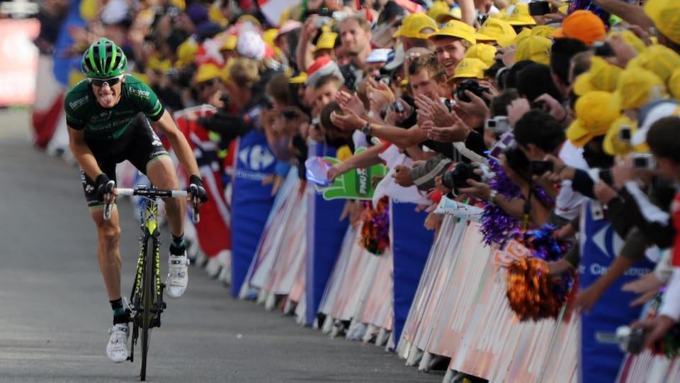 Pierre Rolland remporte la 19e étape du Tour de France en 2011, au sommet de l'Alpe d'Huez.