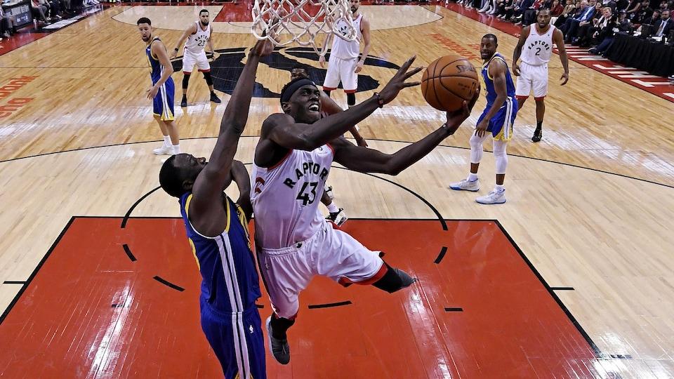 Pascal Siakam a explosé avec 32 points lors du premier match de la finale de la NBA.