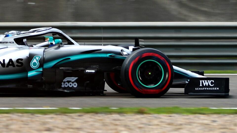 La dérive de l'aileron avant de la Mercedes-Benz de Valtteri Bottas lors des essais libres de vendredi en Chine