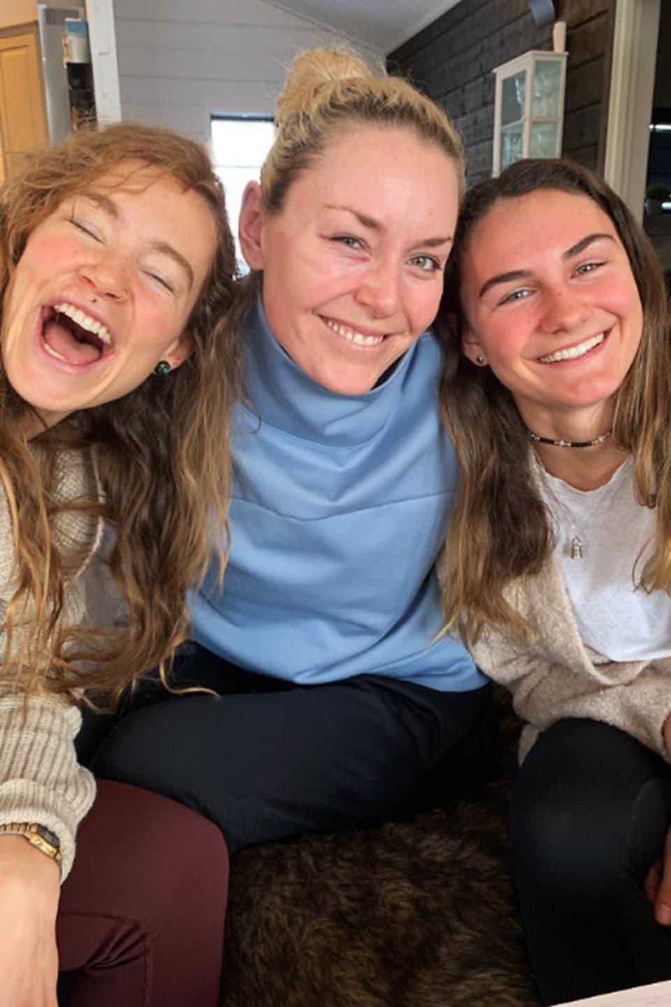 Lindsey Vonn entourée de Laurenne Ross et d'Alice Merryweather