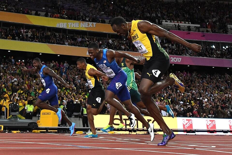 Le fil d'arrivée du 100 m aux Championnats du monde de Londres