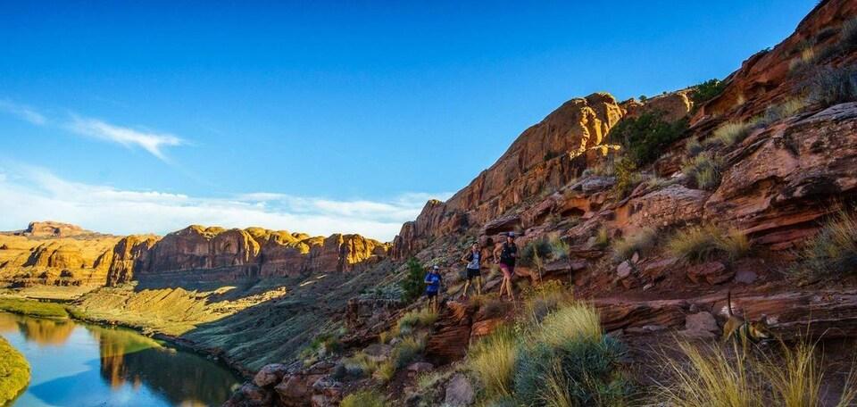 Des coureurs participent au Moab 240, une course de plus de 280 km en Utah