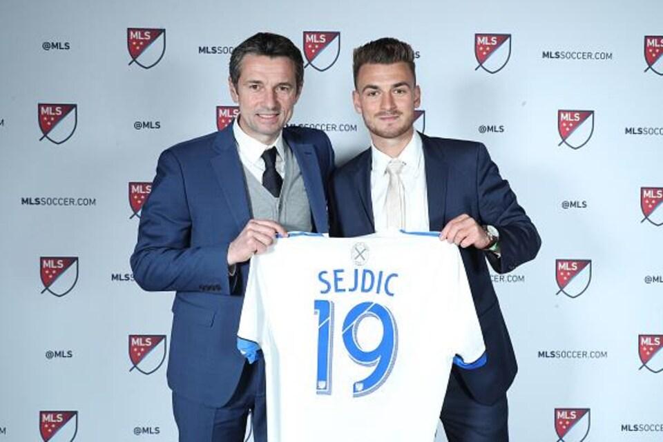 Rémi Garde a accueilli Amar Sejdic au sein de la famille de l'Impact au repêchage de la MLS, le 11 janvier dernier.