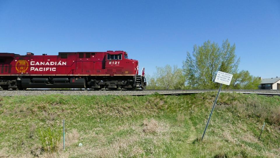 Un train dans la ville de Regina.
