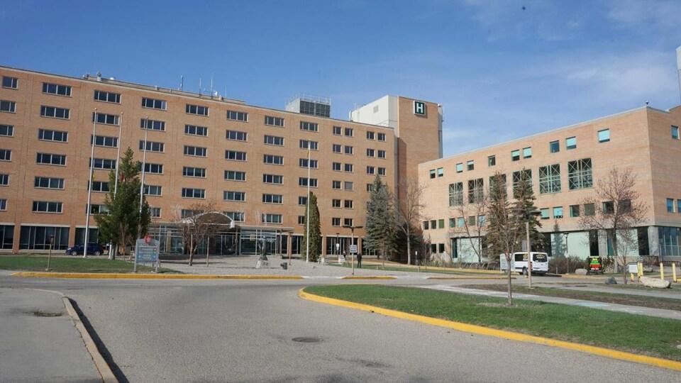L'entrée de l'hôpital Saint-Paul de Saskatoon.