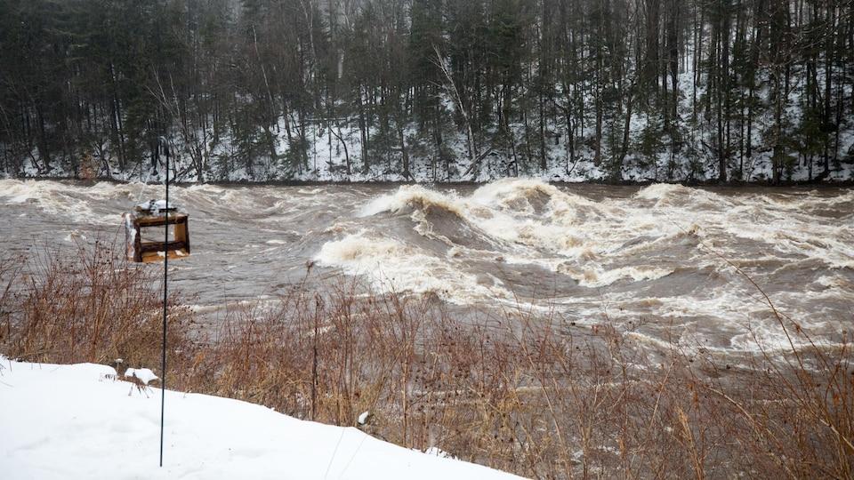 Une rivière déchaînée
