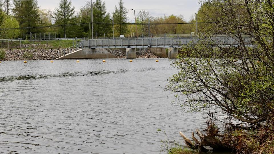 Le barrage du lac Saint-Charles.