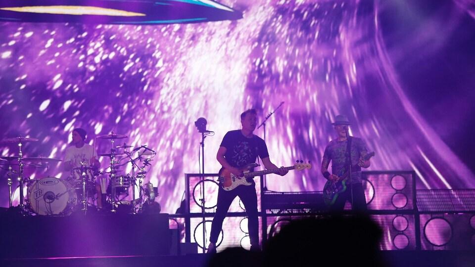 Le groupe Blink-182 a conclu la dernière soirée du FEQ.