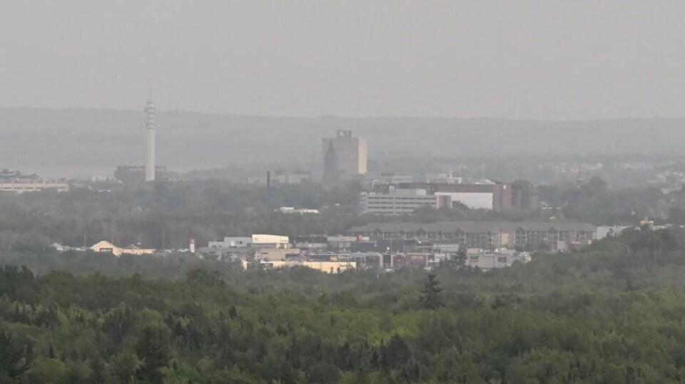 Paysage de Moncton enfumé.
