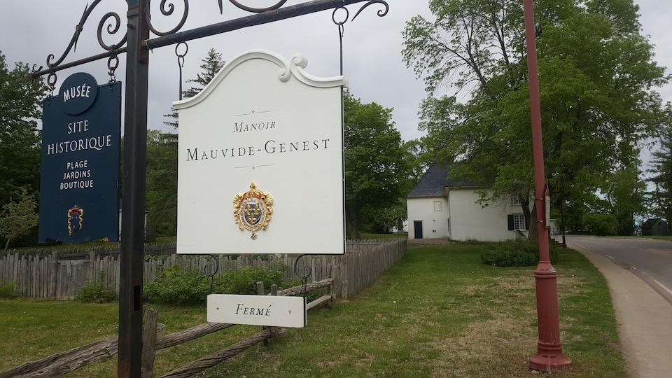 Le manoir Mauvide-Genest, sur l'île d'Orléans.