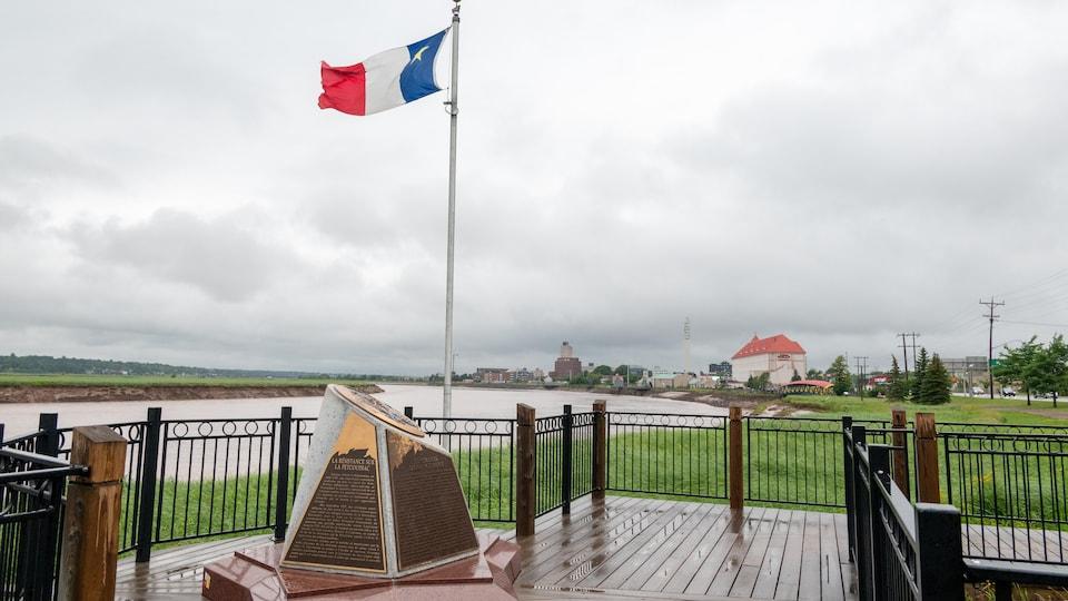 Un monument qui commémore la déportation des Acadiens.