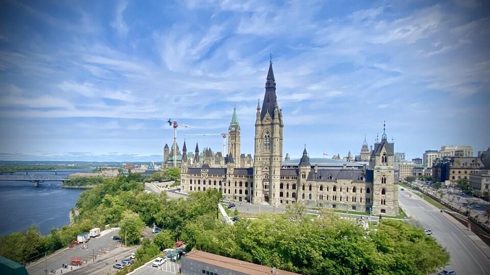 Le Parlement d'Ottawa, photographié en plein mois d'août.