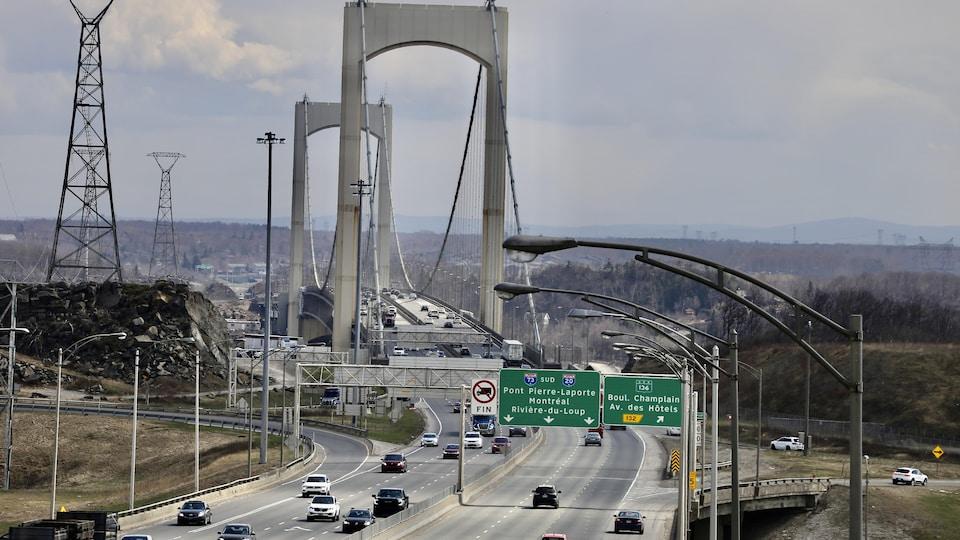 Le pont Pierre-Laporte, à Québec