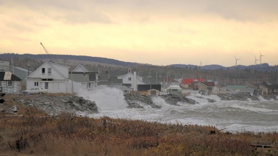 Le quai de Matane lors d'une grande marée.