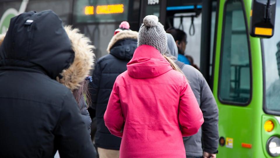 Usagers d'autobus du RTC