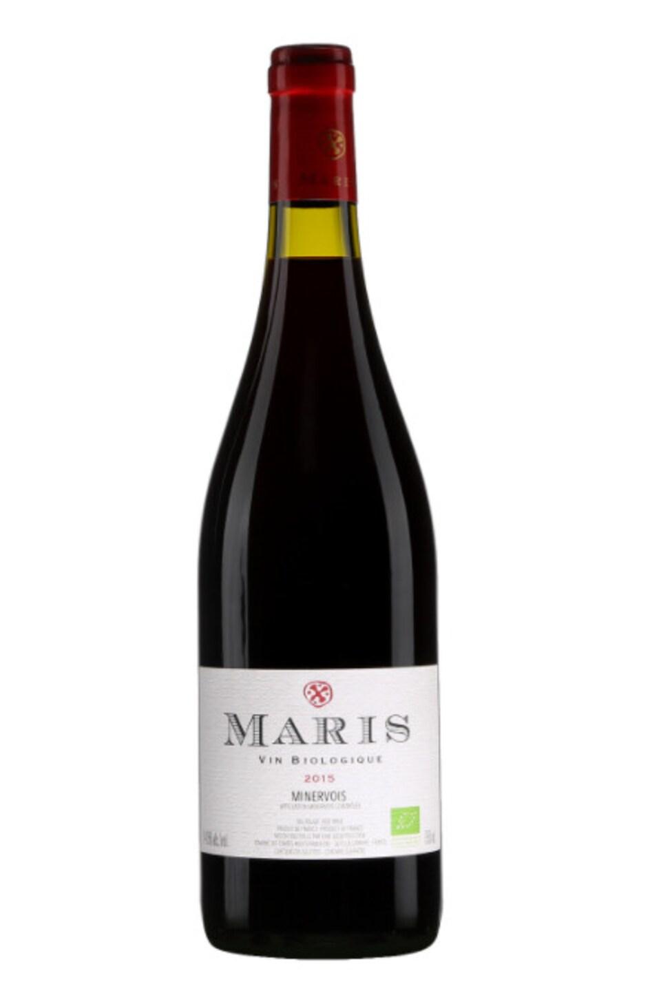 Bouteille de vin rouge biologique.