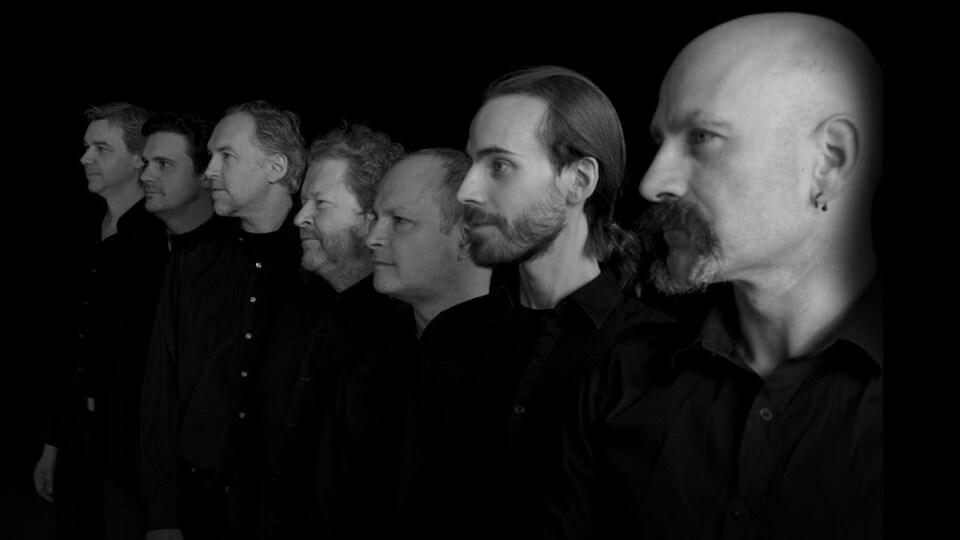 Photo des membres de l'ensemble La Nef, tiré du livret de l'album Sea songs & Shanties