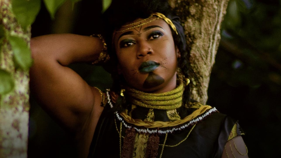 La cantatrice et griotte Djely Tapa Diarra.