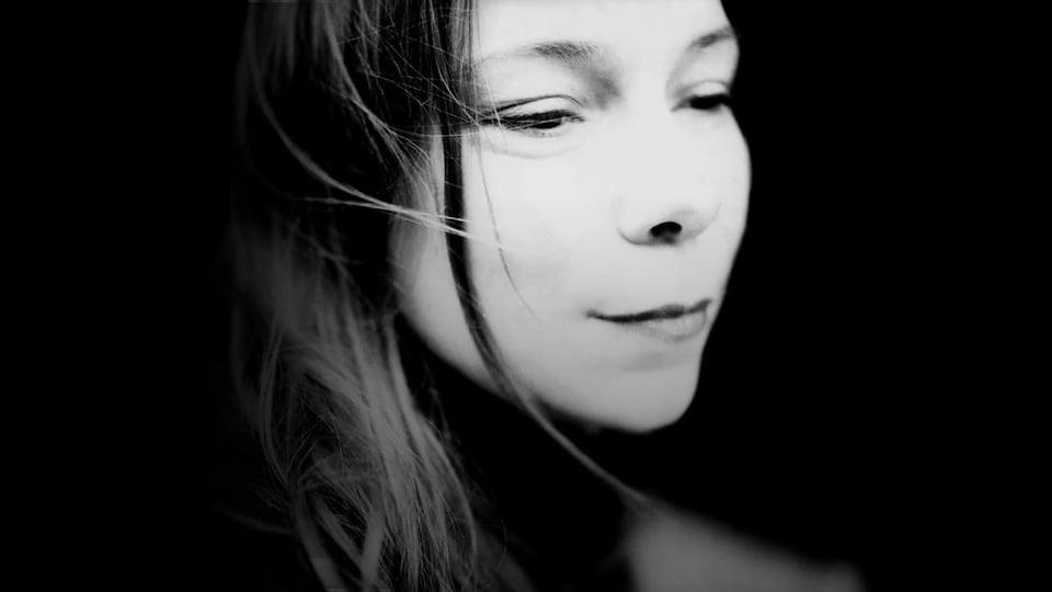 Portrait de la chanteuse Lhasa De Sela.