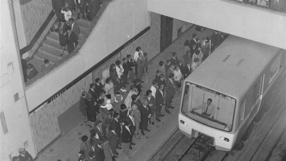 Inauguration du métro de Montréal en 1966.