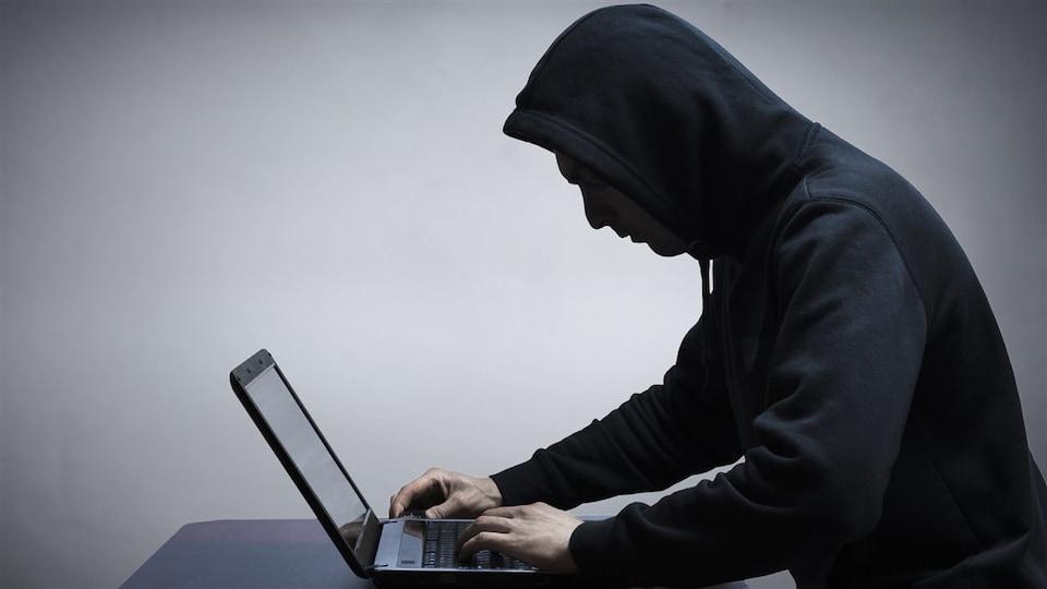 Internet a créé de nouvelles habitudes, mais aussi une nouvelle criminalité.
