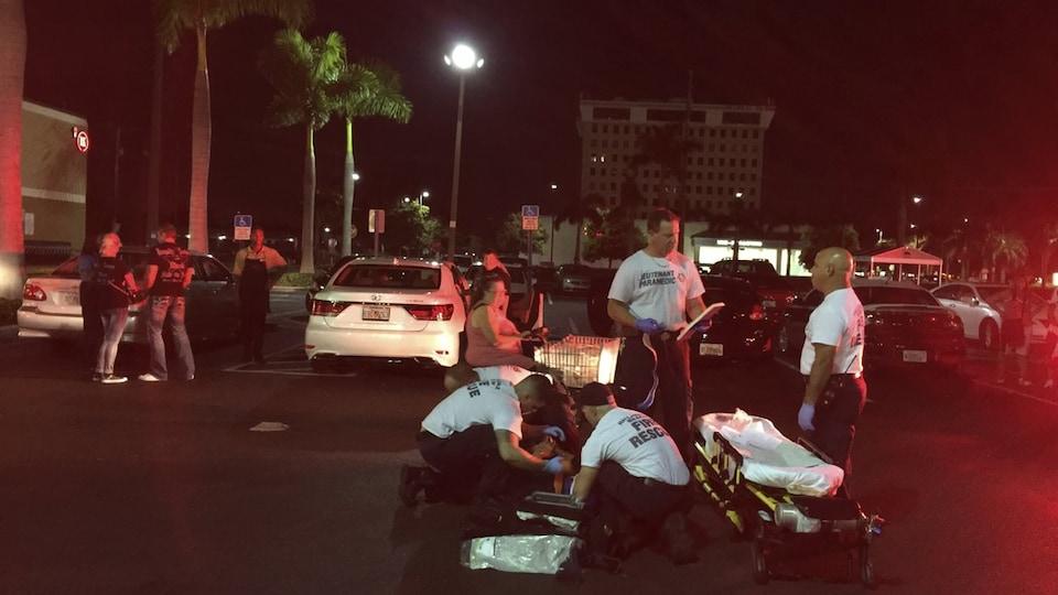 Une scène de crime la nuit