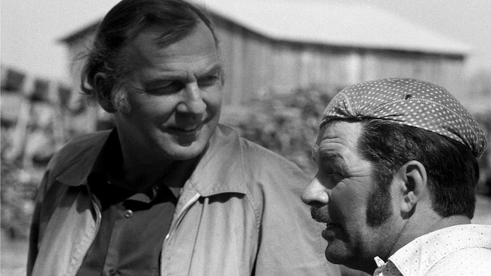 Pierre Perrault et Hauris Lalancette en Abitibi en 1975 lors du tournage d'<i>Un royaume vous attend</i>